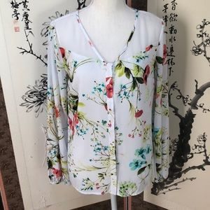 Beautiful floral long sleeve blouse